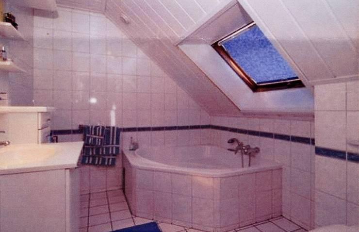 badkamer voor verbouwing:   door Leonardus interieurarchitect