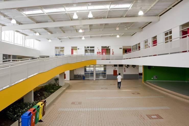 Escola Infantil Salesiano Piracicaba: Escolas  por SAA_SHIEH ARQUITETOS ASSOCIADOS