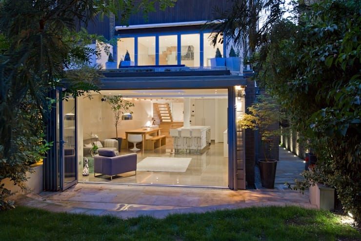 Contemporary rear extension:  Houses by DDWH Architects