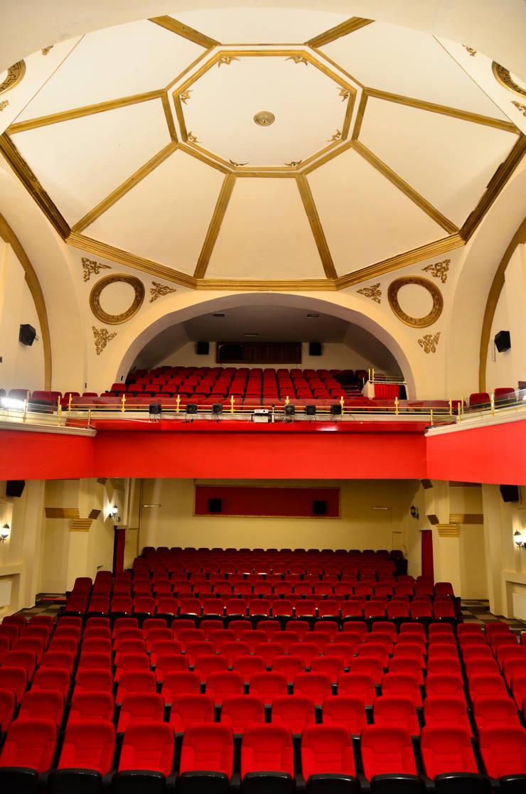 Eskişehir Tepebaşı Belediyesi – Eskişehir Tepebaşı Belediyesi Zübeyde Hanım Kültür Merkezi:  tarz İç Dekorasyon