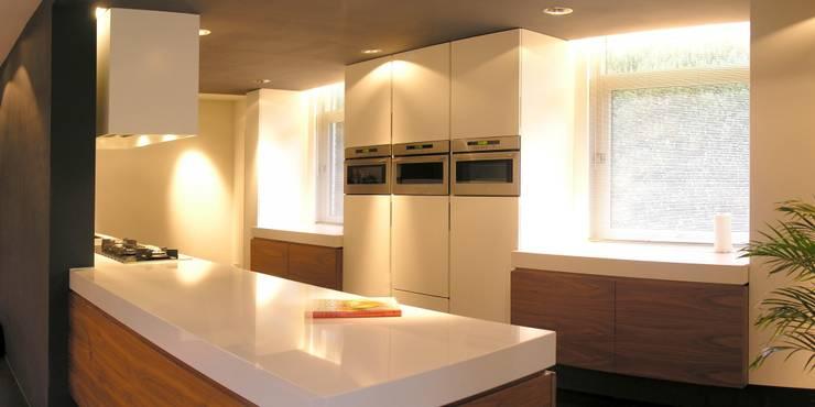 Keuken na verbouwing:   door Leonardus interieurarchitect