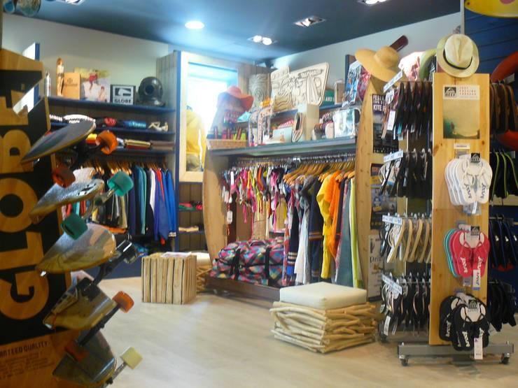 360º. Sant Carles de la Rapita. Tarragona: Espacios comerciales de estilo  de INTERTECH ESPACIO CREATIVO