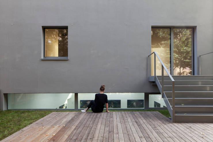 Garten:  Mehrfamilienhaus von BCO Architekten