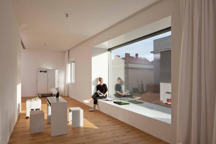 Innenraum Wohnung 5:  Arbeitszimmer von BCO Architekten