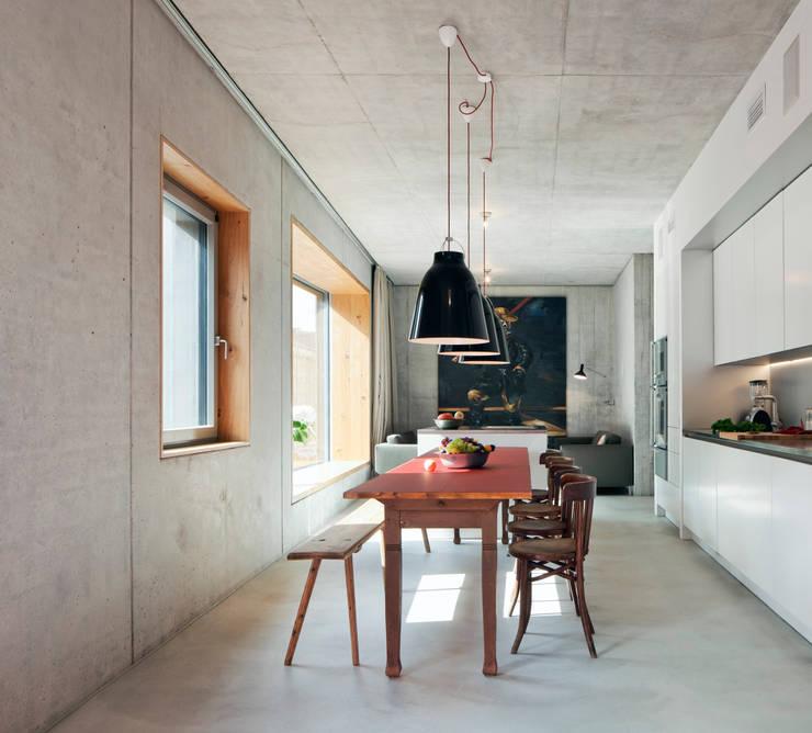 Innenraum Wohnung 3:  Esszimmer von BCO Architekten