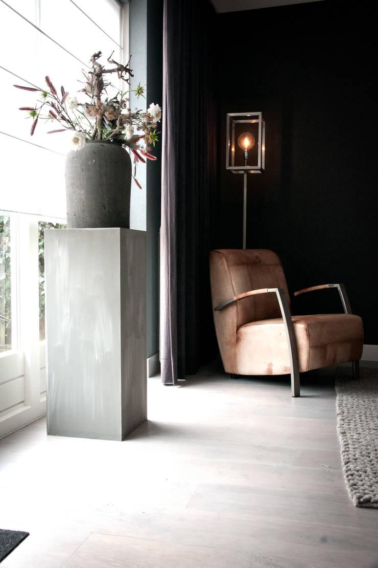 Woonhuis, houten vloer:  Muren door Zilva Vloeren