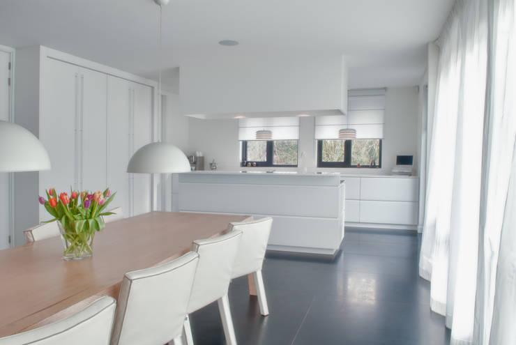Kitchen by Keukenleven, Modern