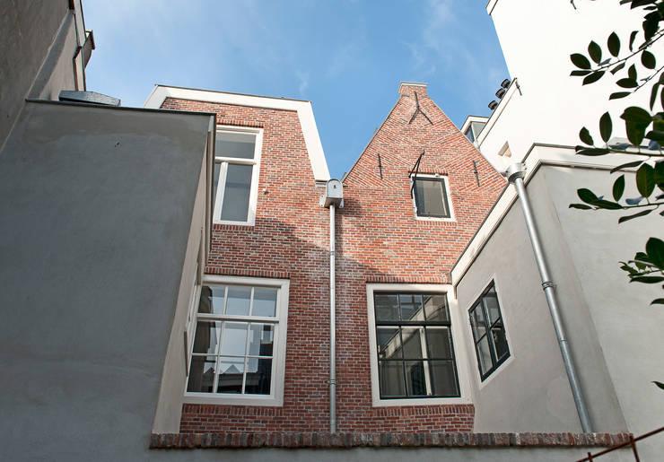 Achtergevel Klassieke huizen van Architectenbureau Vroom Klassiek