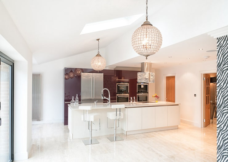 Urban Style - Loughton:  Kitchen by Urban Myth