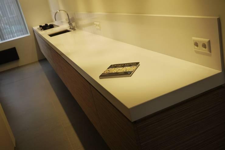 Aanrecht:  Keuken door Leonardus interieurarchitect