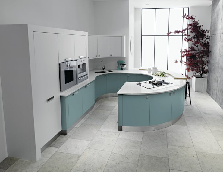 Contour Curve Kitchen:  Kitchen by Squaremelon