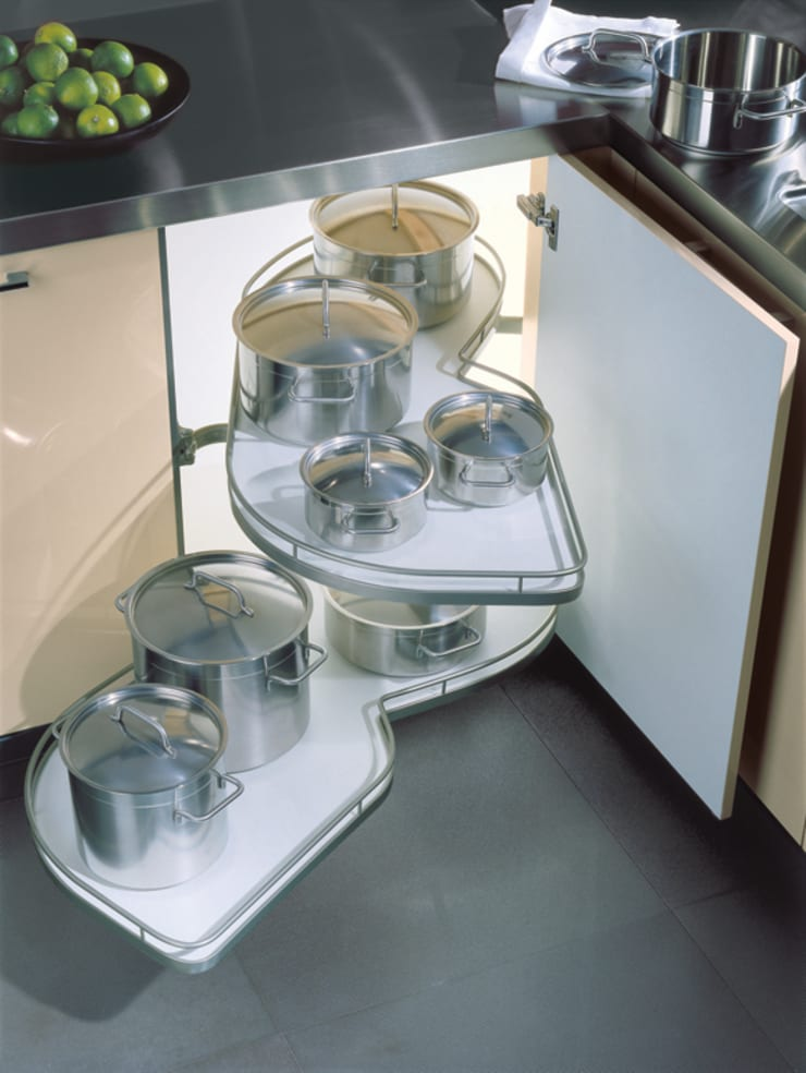 Le Mans Pull Out Storage:  Kitchen by Urban Myth