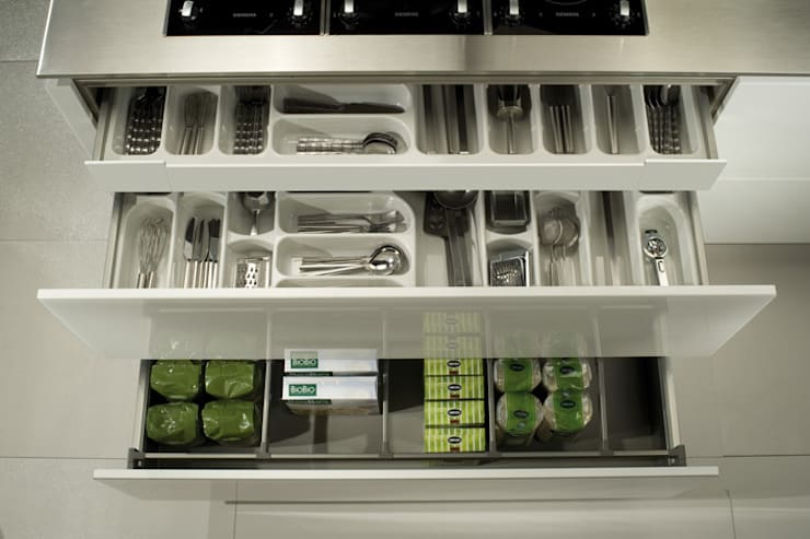 Organisation set in acrylic:  Kitchen by Urban Myth