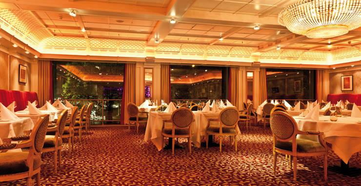 Spiegelung der Lichtszenen:  Gastronomie von Dreiklang® Hotelkonzepte mit Charakter