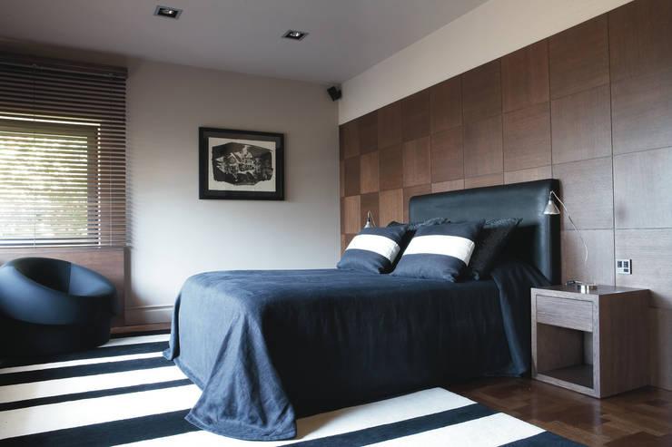 Palacete Barcelona: Dormitorios de estilo  de adela cabré