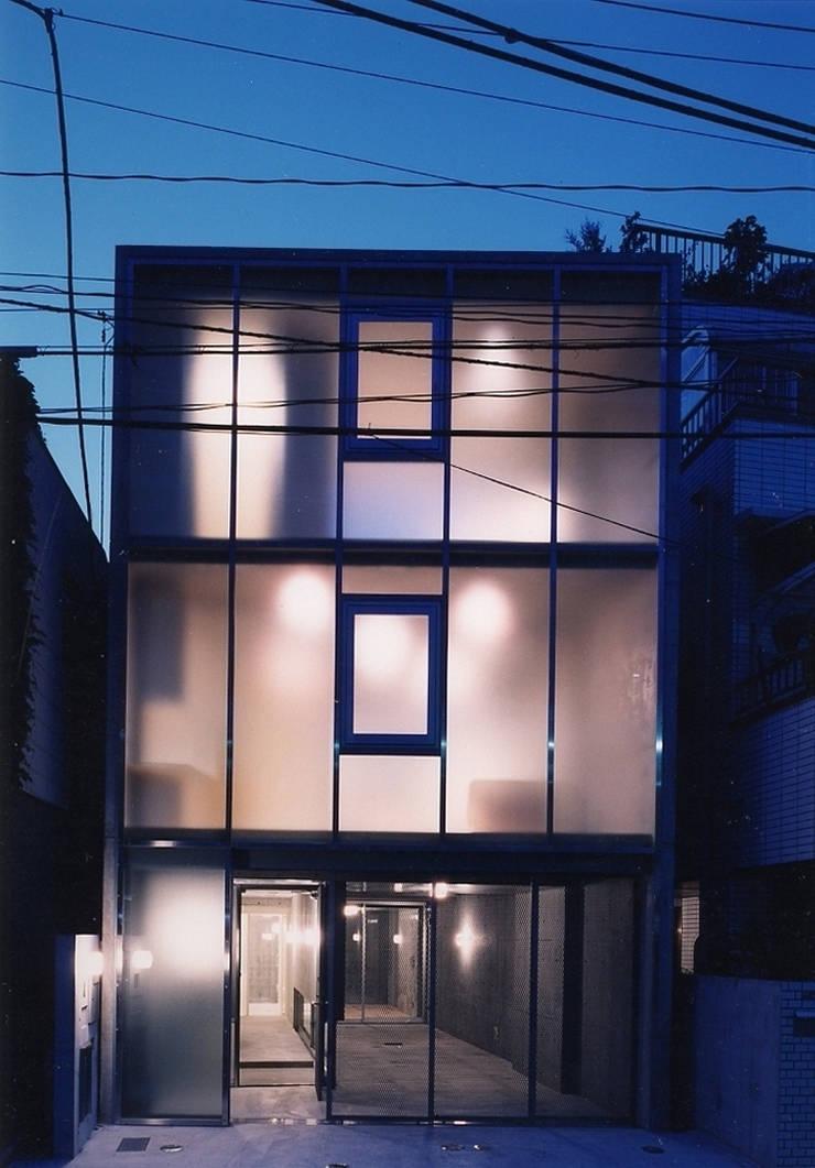 ウナギの寝床状敷地の家: スタジオ4設計が手掛けた家です。