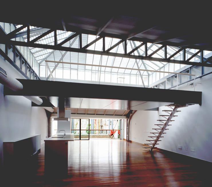 REHABILITACIÓN DE EDIFICIO CONDE DE ROMANONES. Madrid: Estudios y despachos de estilo  de Beriot, Bernardini arquitectos