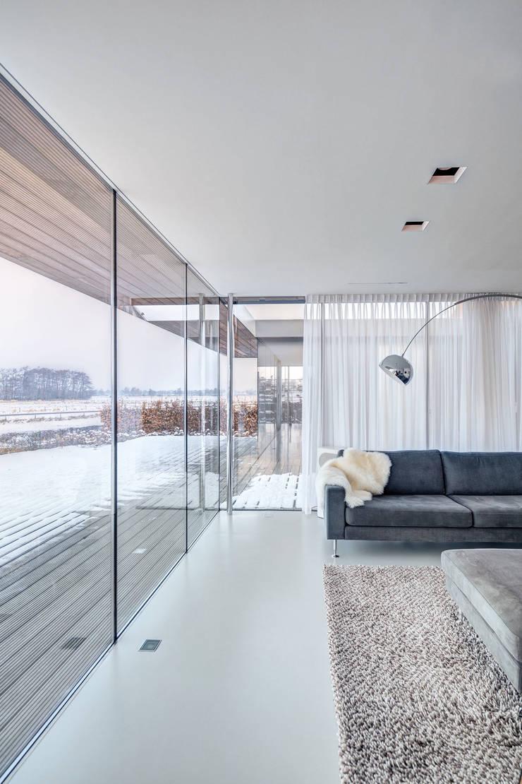Villa SR: moderne Woonkamer door reitsema & partners architecten bna