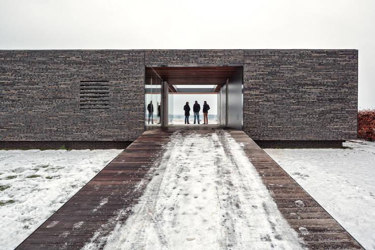 Villa SR: moderne Huizen door reitsema & partners architecten bna