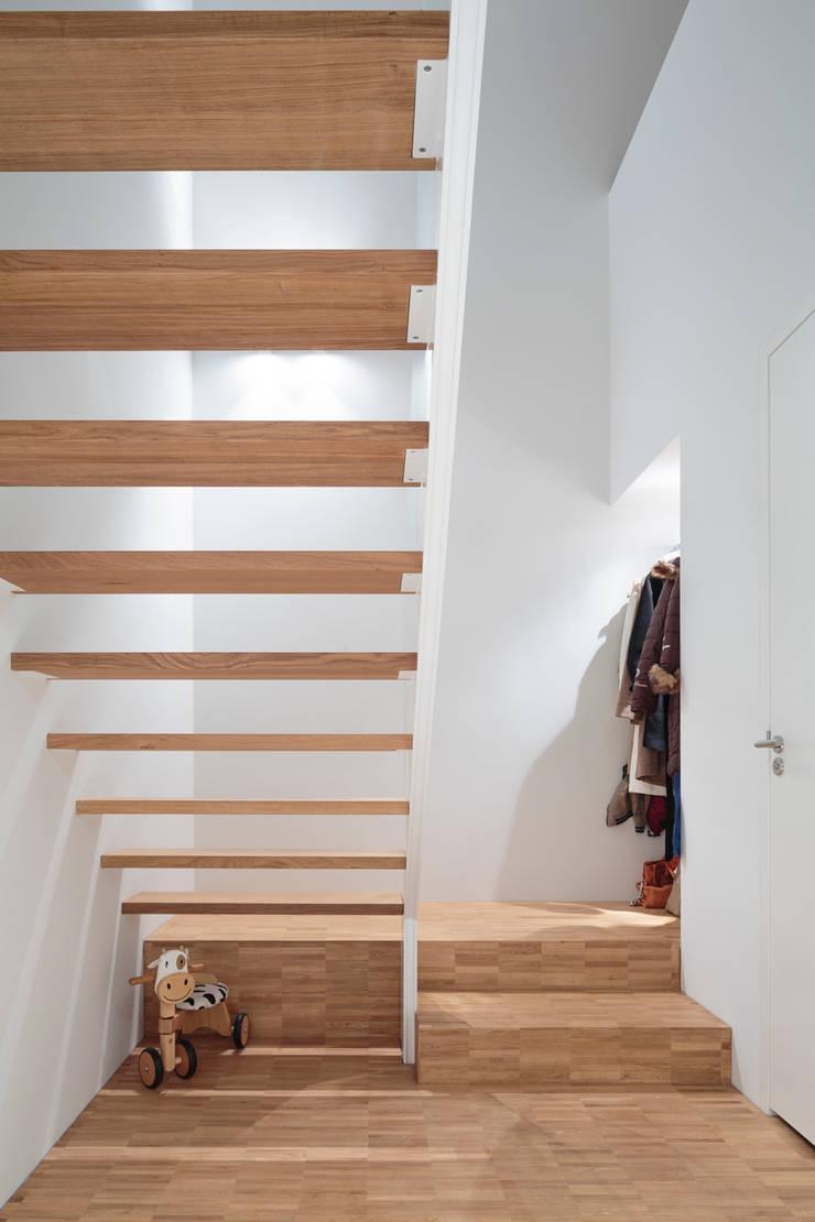 Koridor & Tangga Modern Oleh reitsema & partners architecten bna Modern