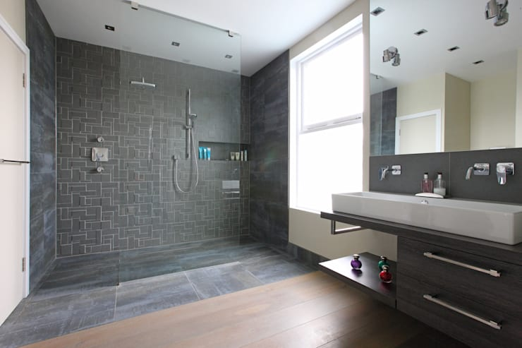 Wet room: modern Bathroom by PAD ARCHITECTS