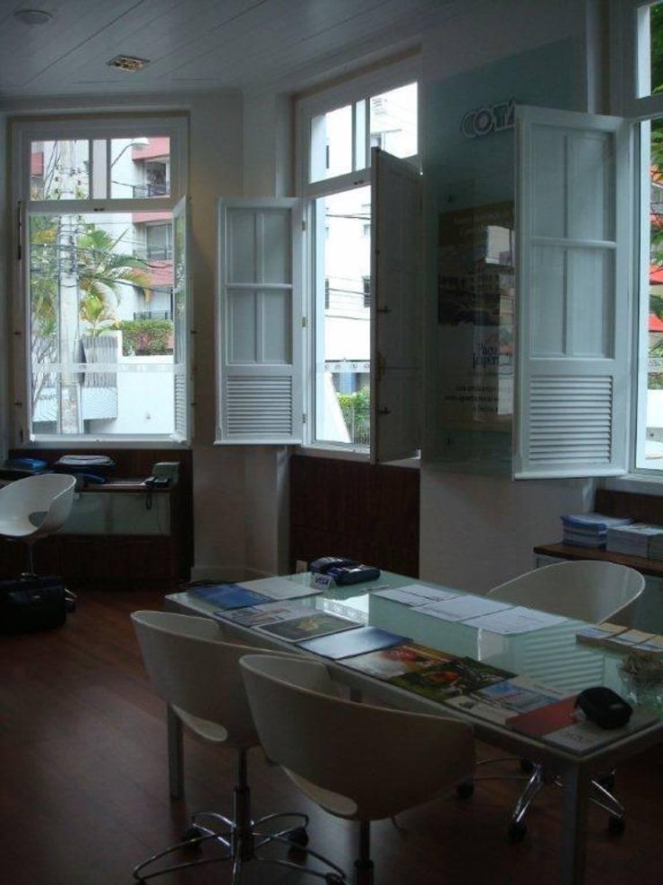 Projeto Arquitetônico da Loja de vendas do empreendimento imobiliário. : Edifícios comerciais  por ArchDesign STUDIO