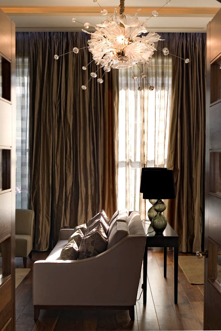 Lancaster Gate:  Living room by Simply Italian