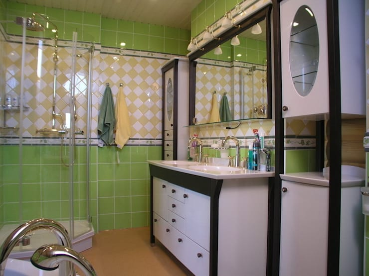 Дом: Ванные комнаты в . Автор – архитектурная мастерская МАРТ