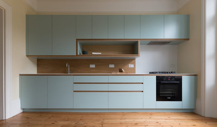 Crouch End Kitchen:  Kitchen by Powell Picano