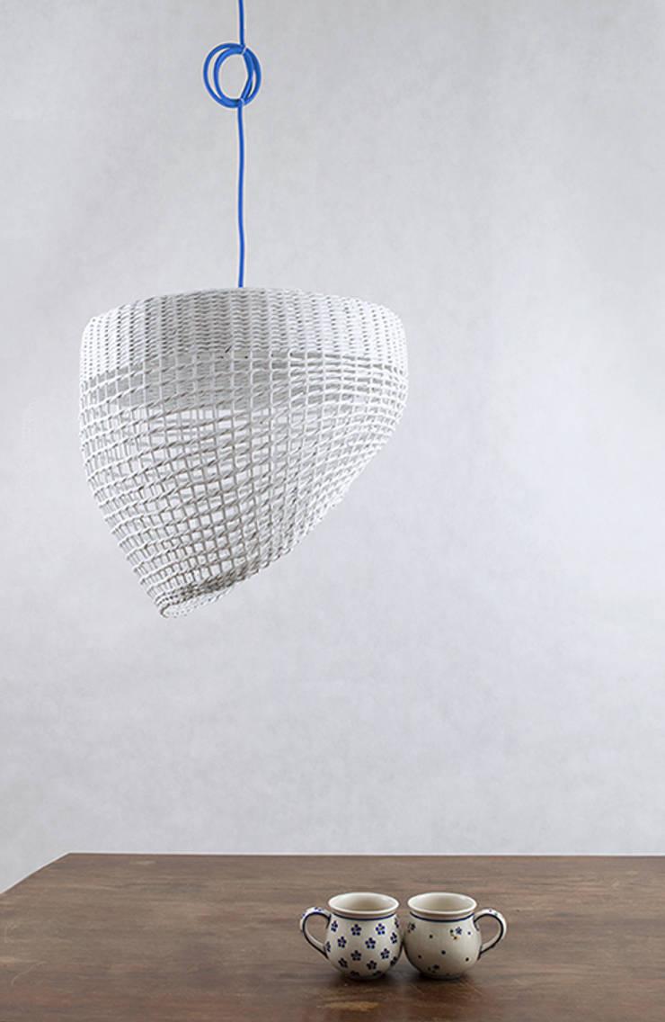 Lampa Oslo: styl , w kategorii Sypialnia zaprojektowany przez Barbórka Design