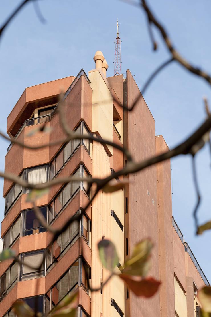 Residencial Villa Cristina: Casas modernas por Mantovani e Rita Arquitetura