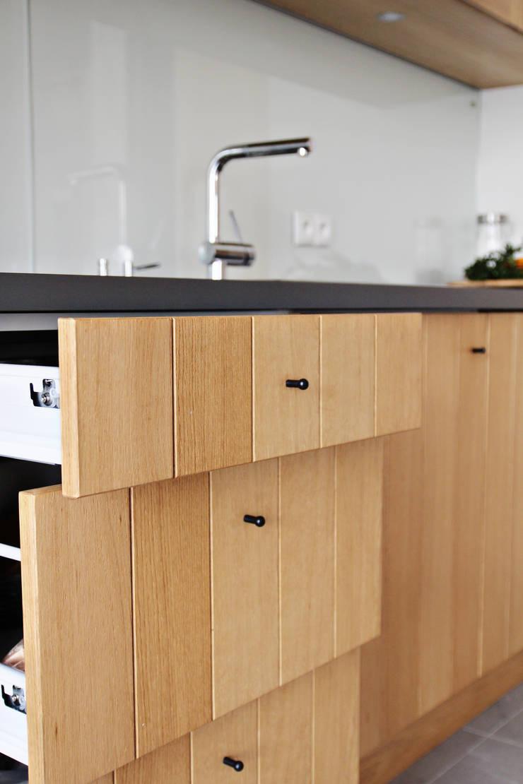 Dom MN: styl , w kategorii Kuchnia zaprojektowany przez PB/STUDIO,