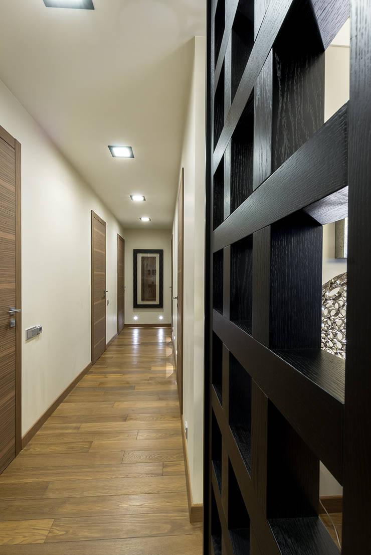 Квартира 140 кв.м. в жилом комплексе <q>Авеню 77</q>: Коридор и прихожая в . Автор – Дизайн-бюро Галины Микулик