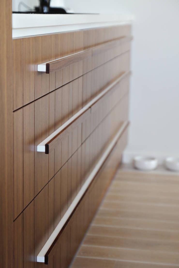 Apartament SW: styl , w kategorii Kuchnia zaprojektowany przez PB/STUDIO,