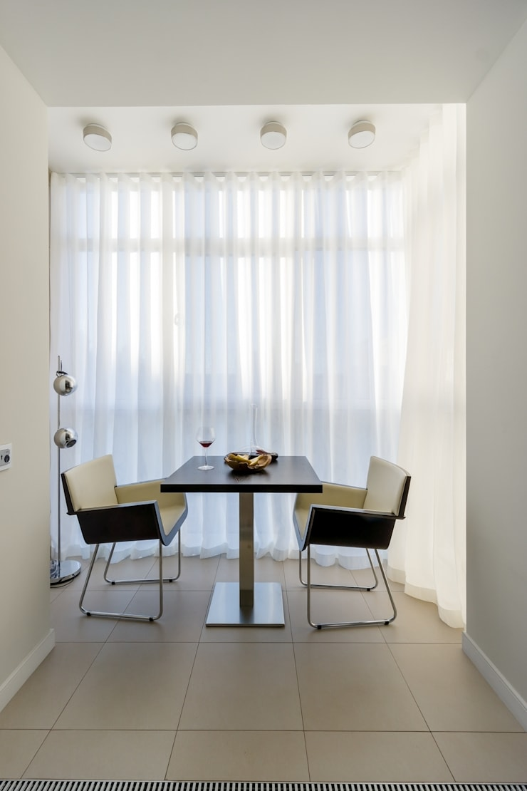 Квартира 89 м2, в жилом комплексе <q>Английский квартал</q>: Tерраса в . Автор – Дизайн-бюро Галины Микулик