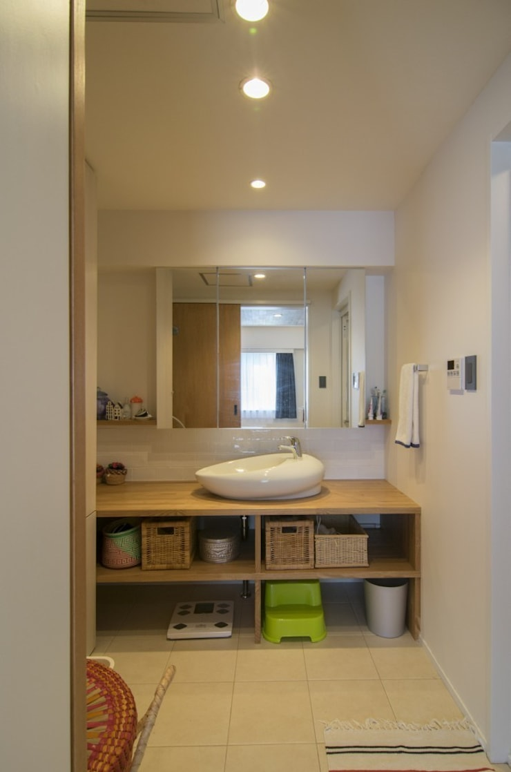 富ヶ谷の家(仮称) すくすくリノベーション vol.5: 株式会社エキップが手掛けた浴室です。