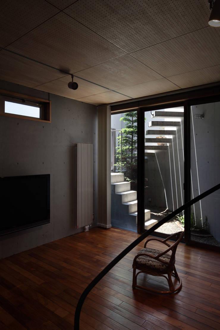 南台の家: 長浜信幸建築設計事務所が手掛けた和室です。
