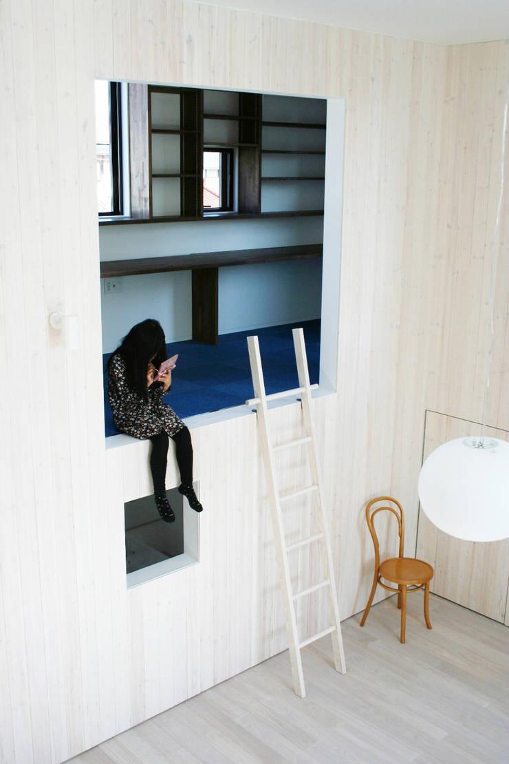 HIROBA: JMA(Jiro Matsuura Architecture office)が手掛けたリビングです。