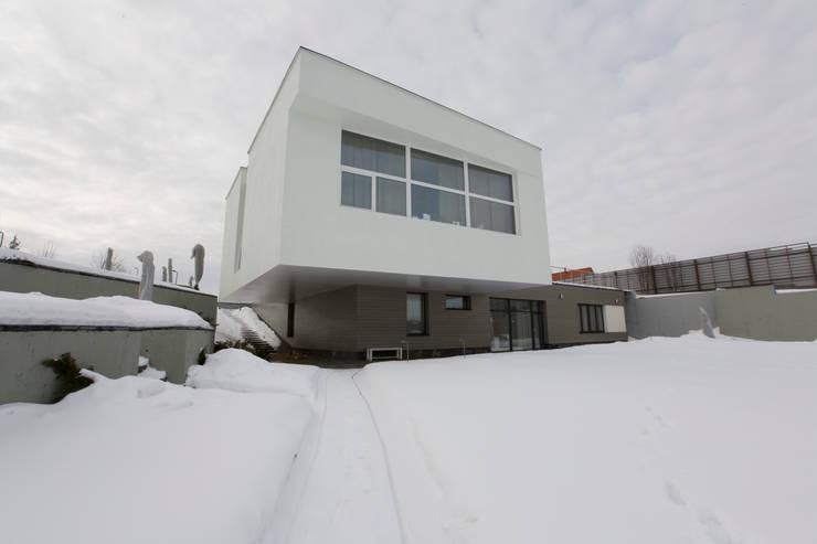 Дом в холме:  в . Автор – za bor