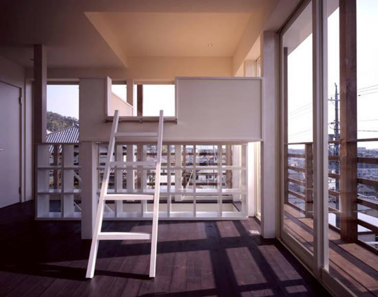 「育てる家 」: 有限会社アルキプラス建築事務所が手掛けた和室です。