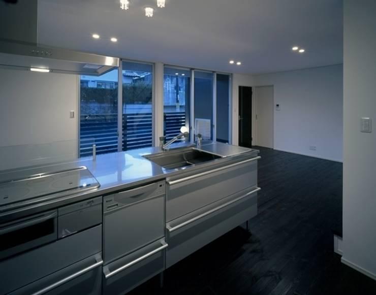 10million house : 有限会社アルキプラス建築事務所が手掛けたキッチンです。