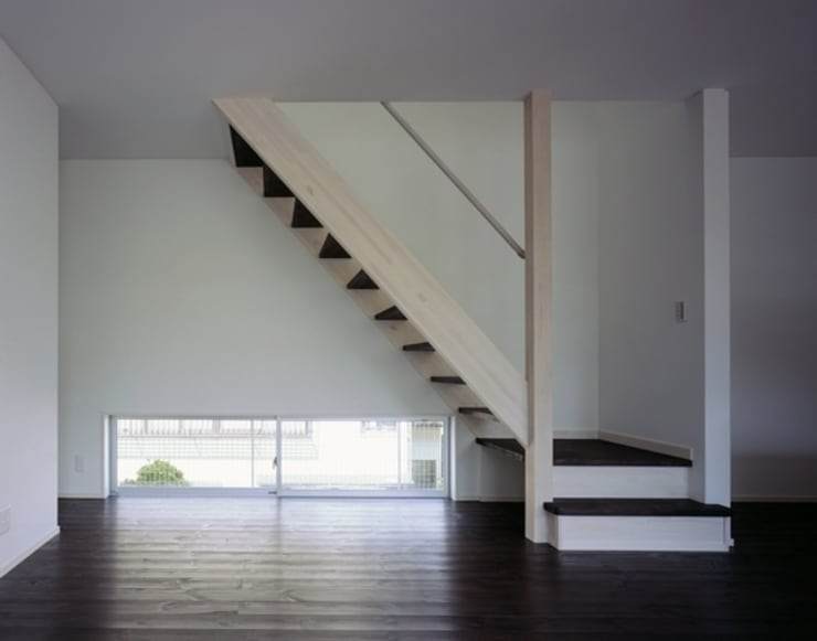 10million house : 有限会社アルキプラス建築事務所が手掛けた廊下 & 玄関です。