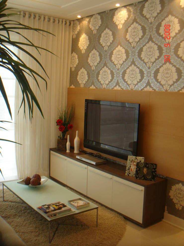 Projeto arquitetonico do apartamento decorado do Green Village Residence: Salas de estar  por ArchDesign STUDIO