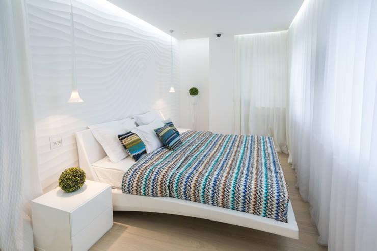 WHITE & WHITE: Спальни в . Автор – ANNA SHEMURATOVA \ interior design