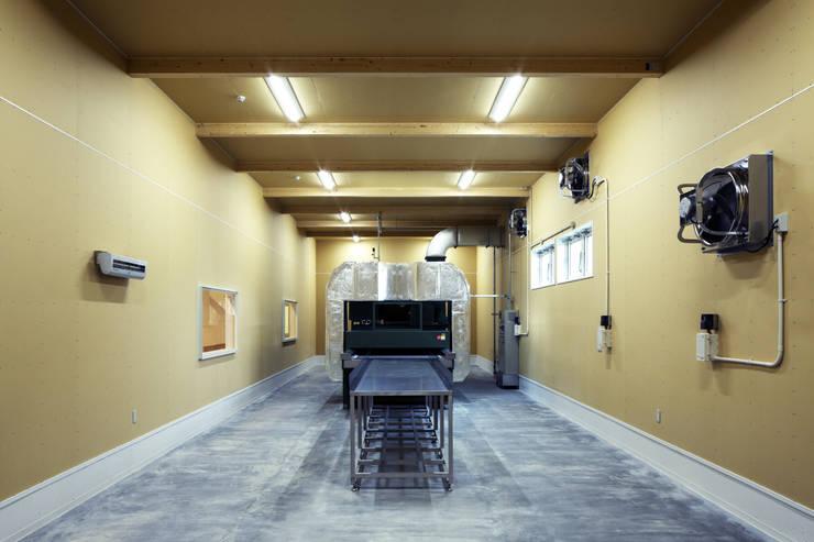 道南伝統食品共同組合工場: 有限会社 伊達計画所が手掛けたオフィススペース&店です。