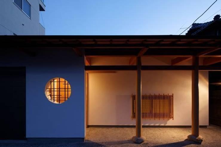 Casas  por 有限会社アルキプラス建築事務所