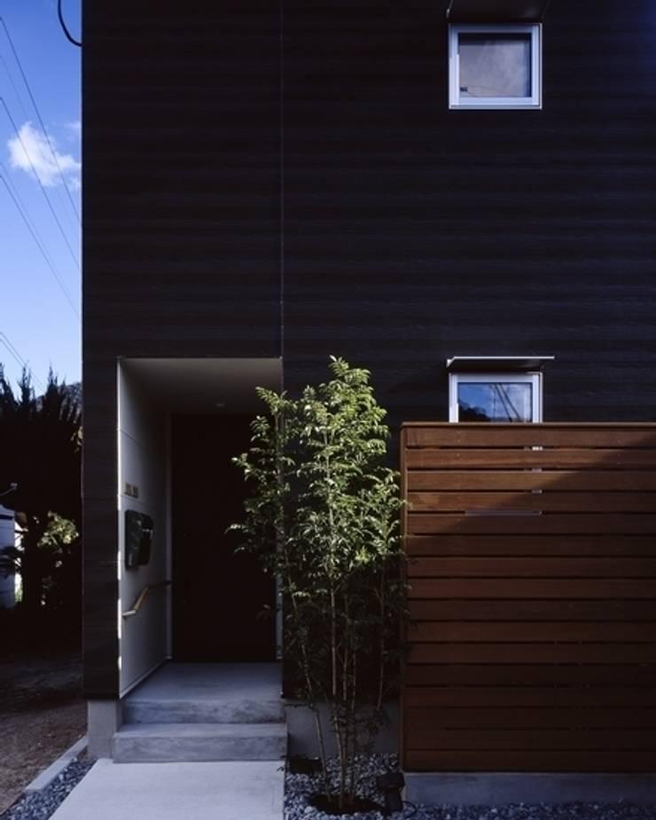 坂の南の家: 有限会社アルキプラス建築事務所が手掛けた家です。