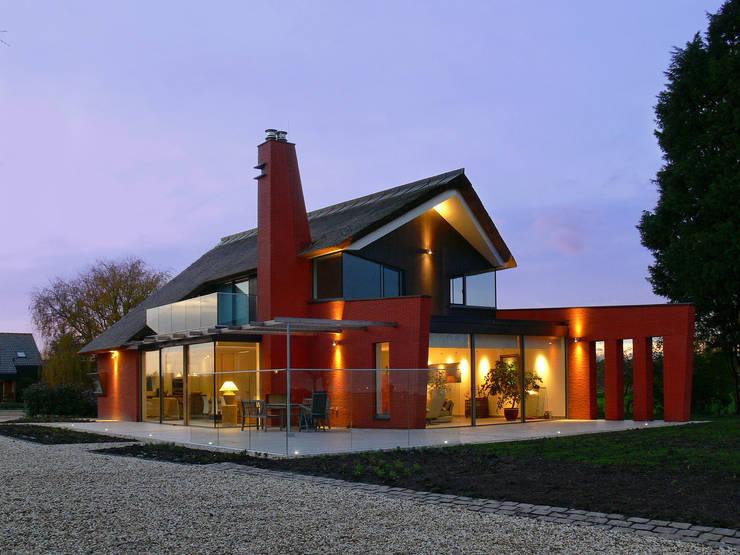 Keller Minimal Windows Delfgauw:  Huizen door kumasol minimal windows