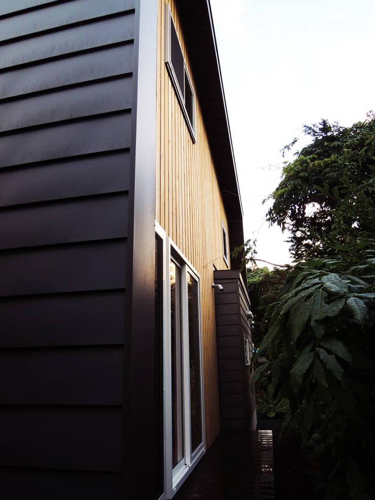 円山 どんぐりハウス: 有限会社 伊達計画所が手掛けた家です。