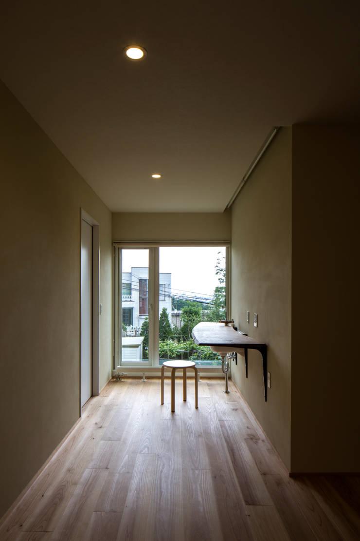 円山西町 木箱: 有限会社 伊達計画所が手掛けた和室です。,